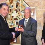 Harry Alden receiving the MSA's 2013 Gold Medal