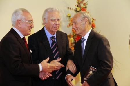 The-President-of-the-Society-with-the-artist-Harry-Alden-and-scultpor-Ganni-Bonnici